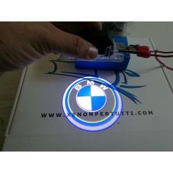 LOGO SOTTO PORTA BMW LED  PROIETTORE E84 F01N F02N F03NF20 F30 F31 F32 F34 F10LCI F11LCI